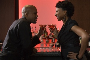 black_couple_bar